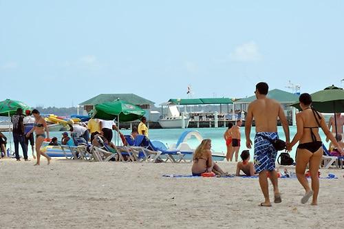 El sector turístico del Caribe se recupera tras los huracanes de 2017