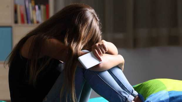 Expertos debaten sobre programas de desarrollo emocional para evitar depresión y violencia entre los jóvenes