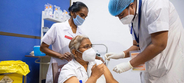 La OMS critica el egoísmo de los países ricos y las farmacéuticas frente a las vacunas del COVID-19