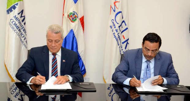 Industria y Comercio firma acuerdo con el CEI-RD para crear Centro Mipymes de Exportación