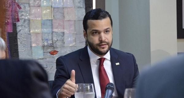 Paz afirma paros transporte tienen origen político y buscan frenar reformas