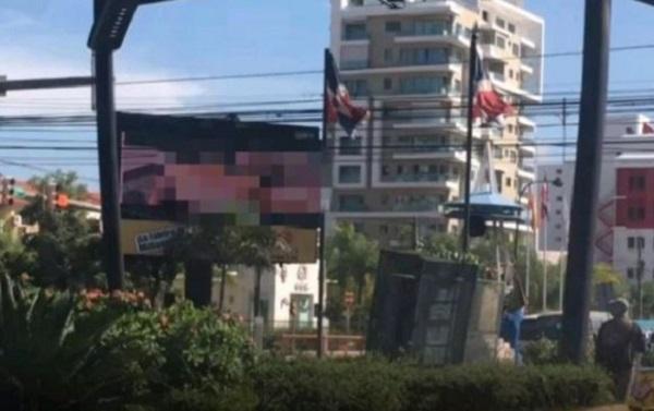 Alcaldía del Distrito Nacional apaga pantalla que transmitió video pornográfico en la 27 de Febrero