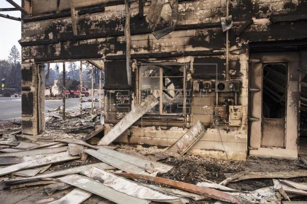 Ascienden a 42 los muertos en el gigantesco incendio del norte de California