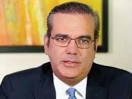Candidato presidencial del Partido Revolucionario Moderno, PRM, Luis Abinader, solicitó a Danilo Medina convocar a todas las fuerzas políticas y sociales para constituir un proyecto de unidad nacional para combatir el coronavirus.