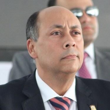Senador René Canaán.