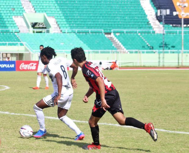 Cibao FC asciende al segundo lugar; Doblete de Dine lleva vega Real a un triunfo