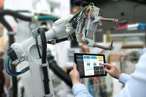 La OIT propone medidas para proteger al trabajador del futuro robotizado
