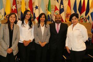 Autoridades del INTRANT participaron en el evento que se realizó en Panamá