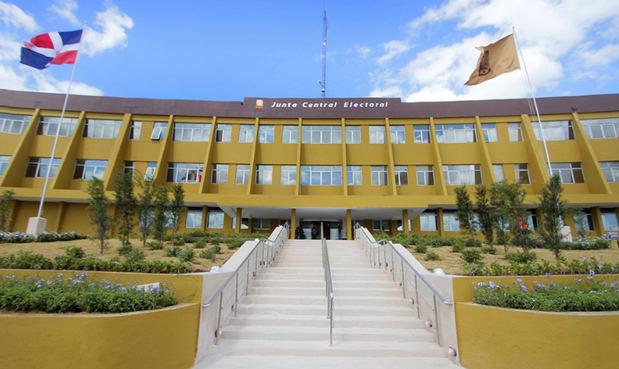 La JCE se reunirá con la Comisión de Acompañamiento de las elecciones