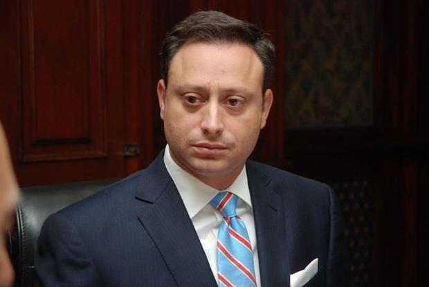 Piden la destitución del procurador por intervenciones telefónicas