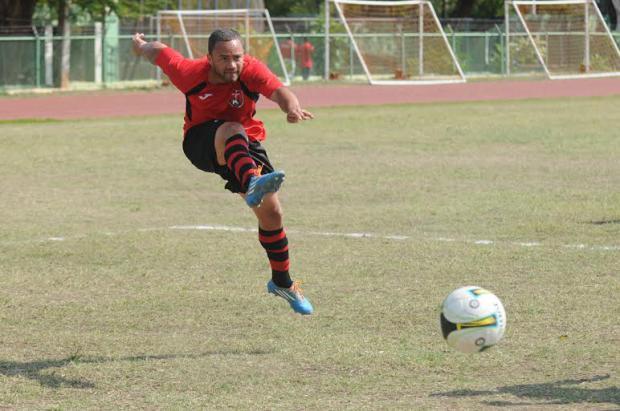 Atlético Pantoja doblega a Bauger FC y Moca se impone al Vega Real
