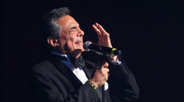 Cantante José José continúa su tratamiento médico en un hospital de Florida