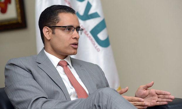 El ministro de Economía saluda aprobación del Idoppril y disolución del IDSS