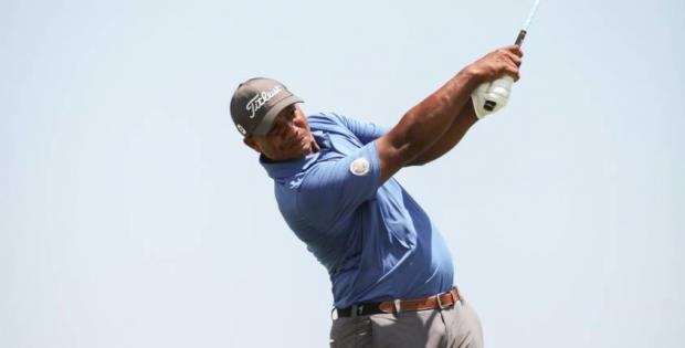 Julio Santos lidera primera parte de la jornada del PGA Tour