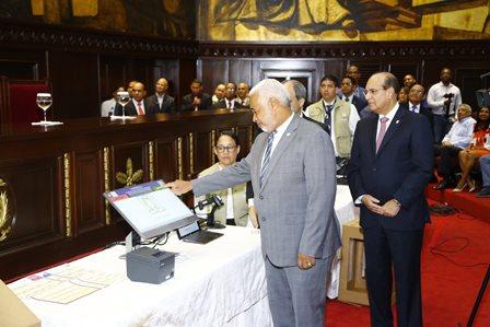 JCE realiza demostración del voto automatizado en Cámara Diputados