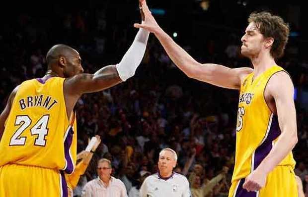 Lakers ganan primer partido de la temporada