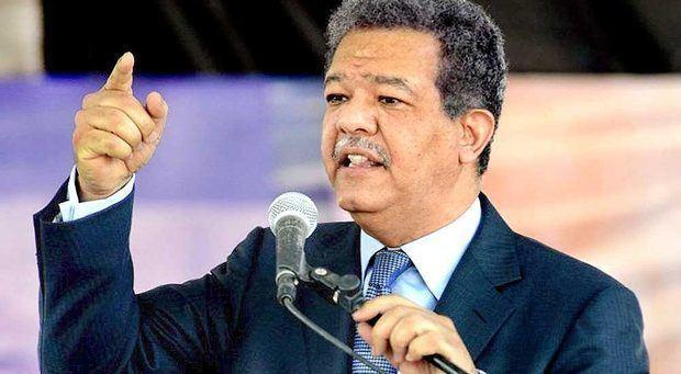 Fernández se reitera a favor de que empleados accedan a fondos de pensiones