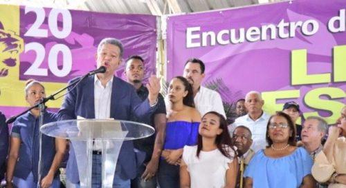 Fernández promete impulsar manufactura en Bonao si regresa al poder