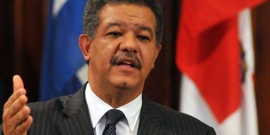 Expresidente Leonel Fernández aseguró que en las leyes de Partidos y del Régimen Electoral no existen obstáculos para presentarse como candidato presidencial.