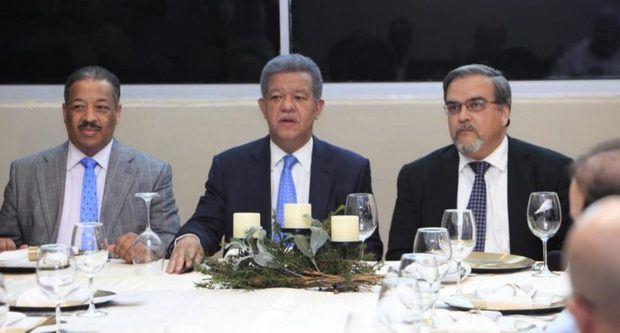 Fernández y varios partidos advierten peligro de nueva reforma Constitución
