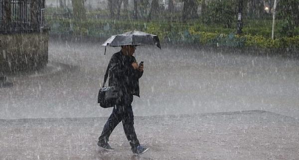 Aguaceros por incidencia de vaguada y onda tropical, se mentienen las alertas