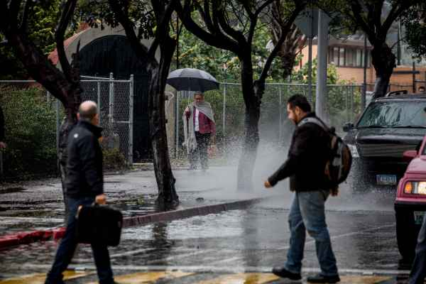 Sistema frontal provoca lluvias ocasionales