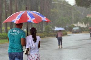 El COE mantiene la alerta verde por lluvias en once provincias.