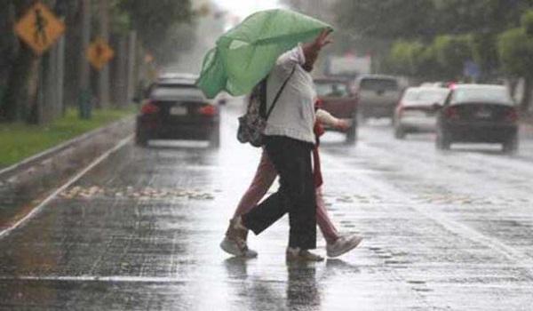 Disminución significativa de las lluvias debido a aire menos húmedo y polvo Sahariano