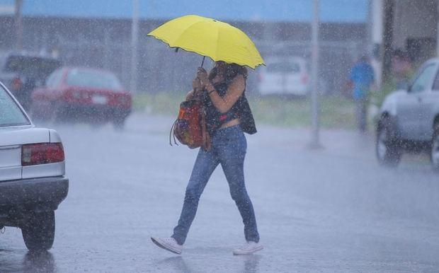 Lluvias dispersas hacia el interior del país…se mantienen las alertas meteorológicas