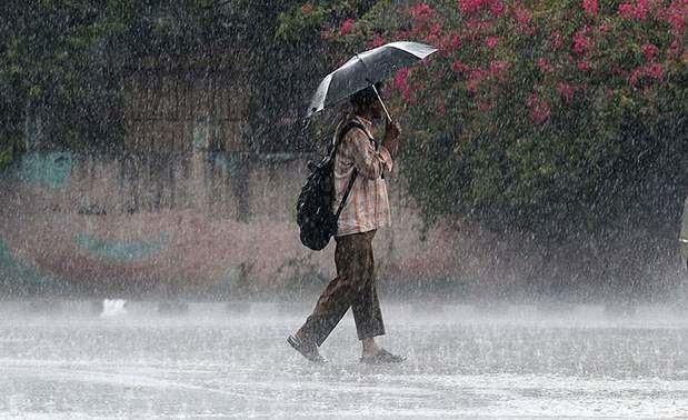 El COE coloca 16 provincias en alerta por lluvias.
