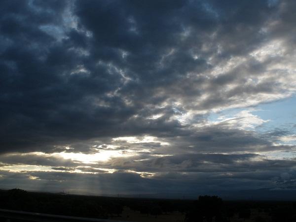 Se esperan incrementos nubosos con aguaceros