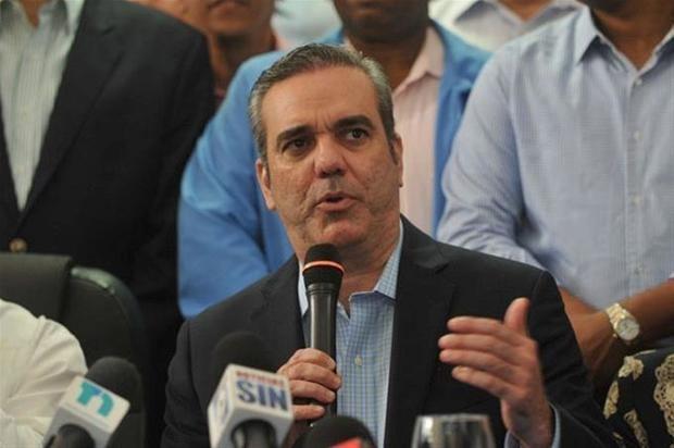 Abinader muestra su oposición a venta del 50 % termoeléctrica Punta Catalina