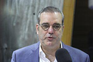 Aspirante a la nominación presidencial por el Partido Revolucionario Moderno (PRM) Luis Abinader.