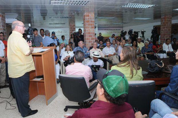 Hipólito Mejía promete devolver la institucionalidad al sector agropecuario