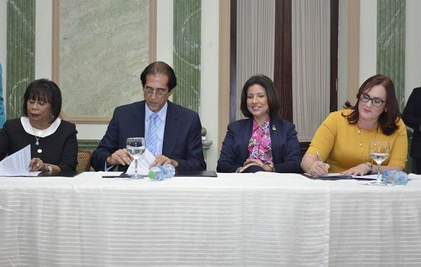 Entidades firman carta compromiso Igualando RD
