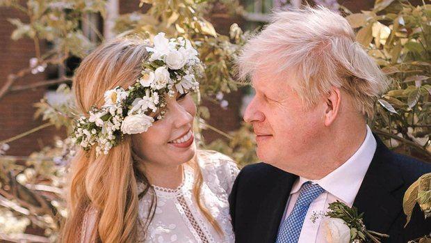 Boris Johnson y su novia Carrie Symonds se casan