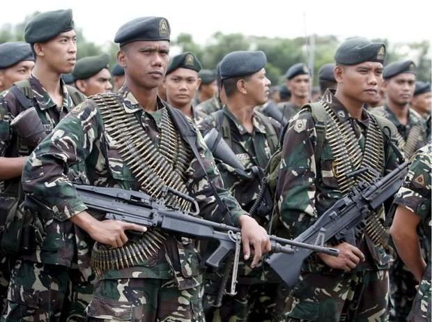Gobierno filipino investiga funcionarios que financian a guerrilla comunista