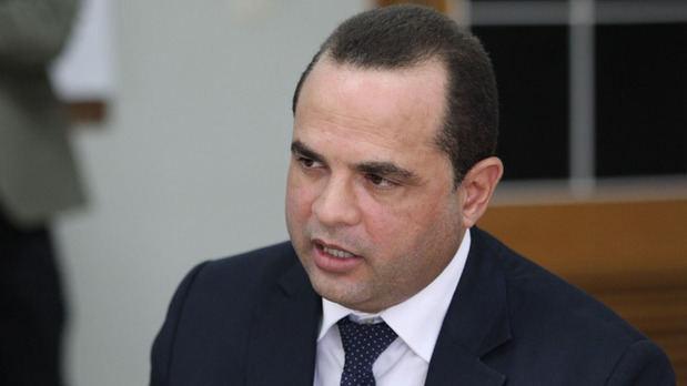"""Crespo renuncia del PLD y llama """"traidor"""" y """"mercader"""" al presidente Medina"""
