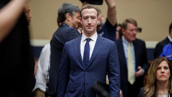 Escándalos de Facebook lastran unos resultados agridulces de primer semestre