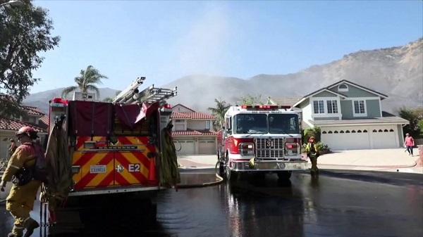 Las autoridades buscan a más de 100 desaparecidos en incendios de California