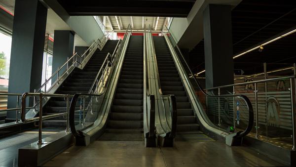 Comenzarán reparación de escaleras y ascensores del Metro de Santo Domingo