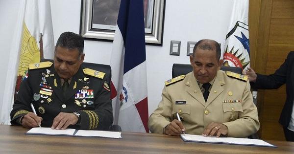Defensa y Dncd firman protocolo de operaciones militares contra narcotráfico