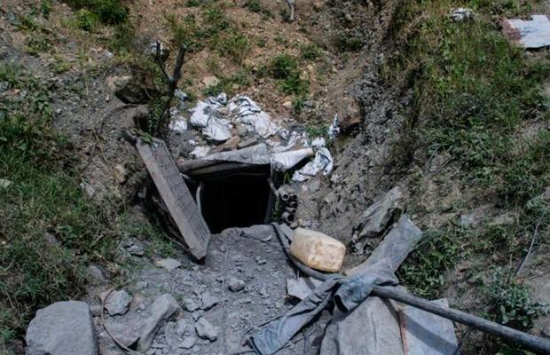 Rescatan 3 cadáveres en mina de ámbar tras accidente