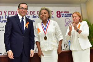 Homenaje con la Dirección de Equidad de Género y Desarrollo del Minerd
