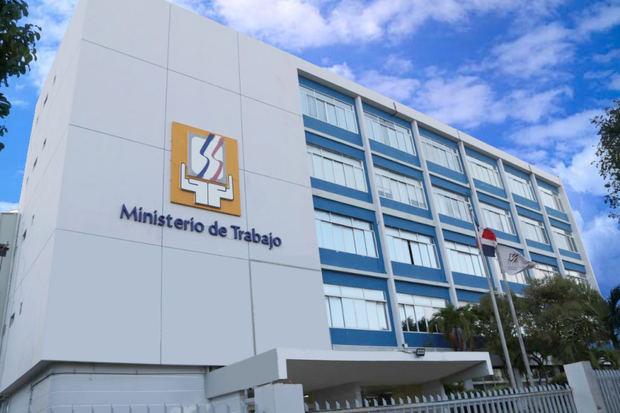 Ministerio de Trabajo recuerda que es obligatorio garantizar la seguridad del trabajador