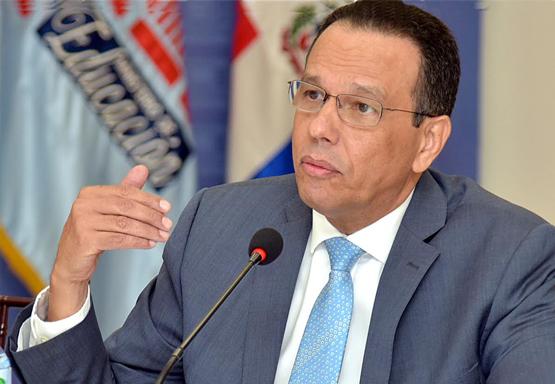Ministro de Educación, Antonio Peña Mirabal, condenó incidentes violentos provocados por miembros de la Asociación Dominicana de Profesores (ADP).