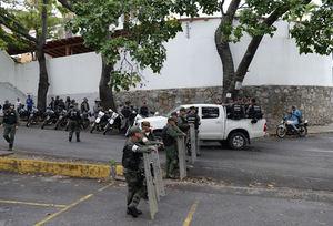 La morgue donde se encuentra el cuerpo de Pérez permanece fuertemente custodiada