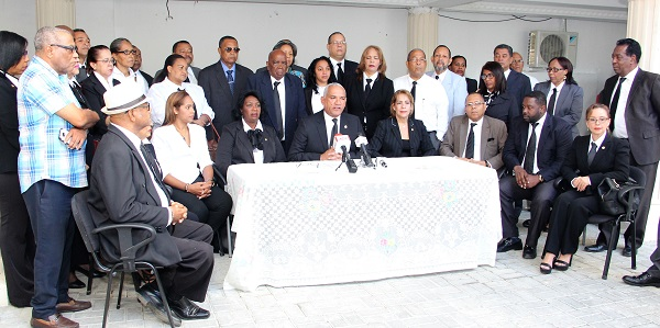 El presidente del Colegio de Notarios, Pedro Rodríguez Montero y otros directivos del gremio.