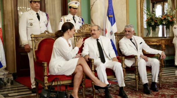 Presidente dominicano recibe cartas credenciales de seis nuevos embajadores