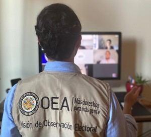 Un miembro de la misión de observación electoral de la Organización de Estados Americanos (OEA) ha dado positivo al coronavirus.